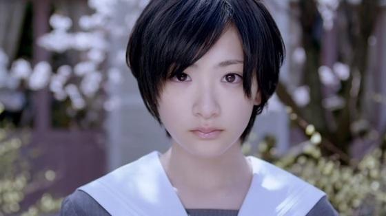 生駒里奈の真顔